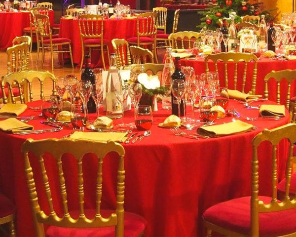 chaise rouge sur événement