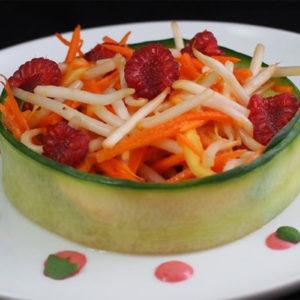 Fraicheur de papaye et soja, vinaigrette framboise et pousses de basilic