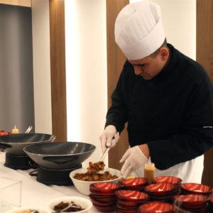 fruits rôtis au wok