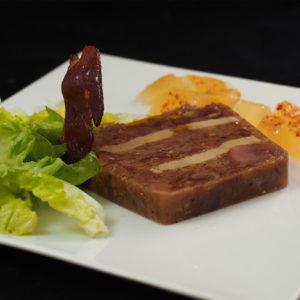 Terrine de confit et de foie de canard en gelée de piment d'Espelette