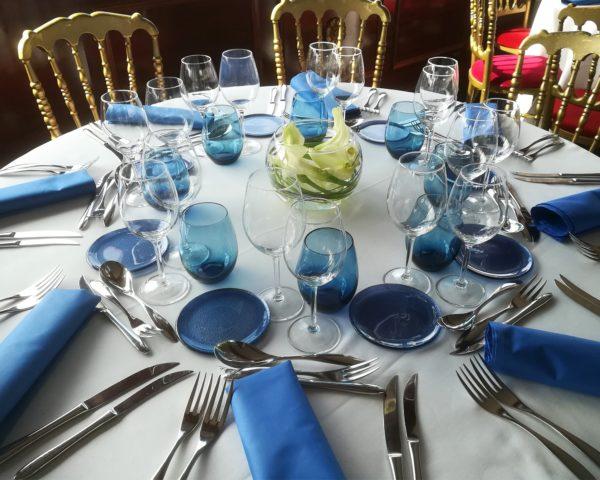 serviettes couleur bleu