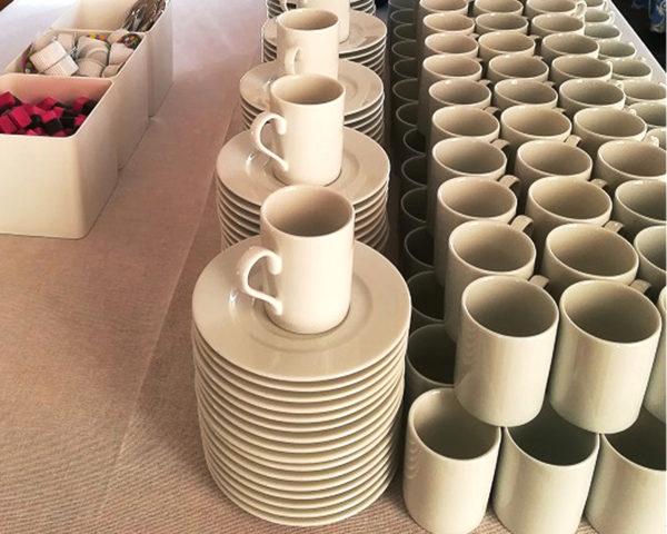 tasse et sous tasse sur événement